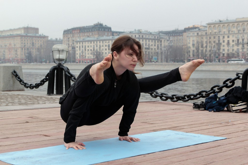 Йога для начинающих без